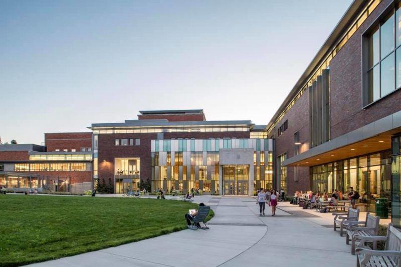 University of Oregon Erb Memorial Union exterior