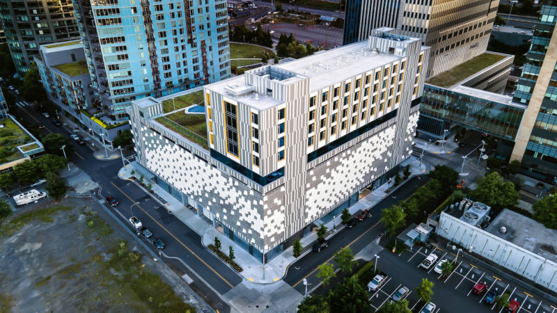 OHSU Center for Healing & Health building